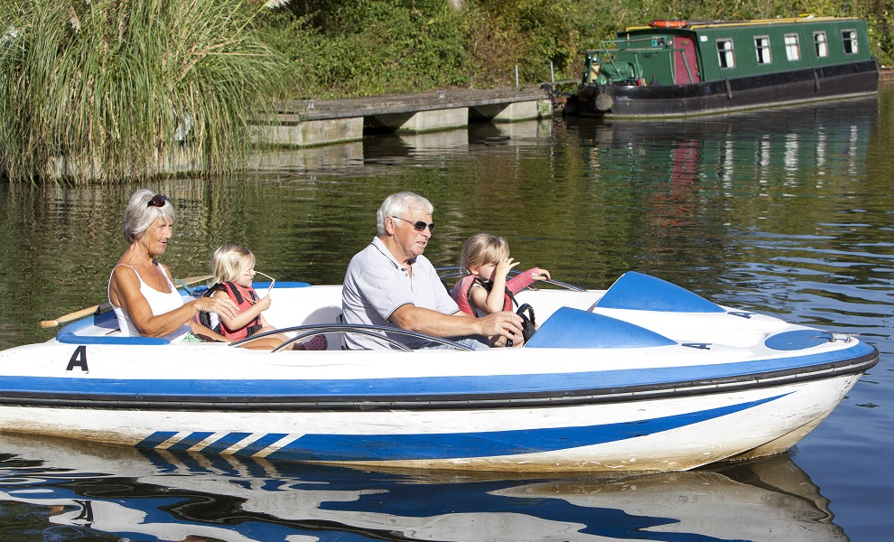 4 seater boat