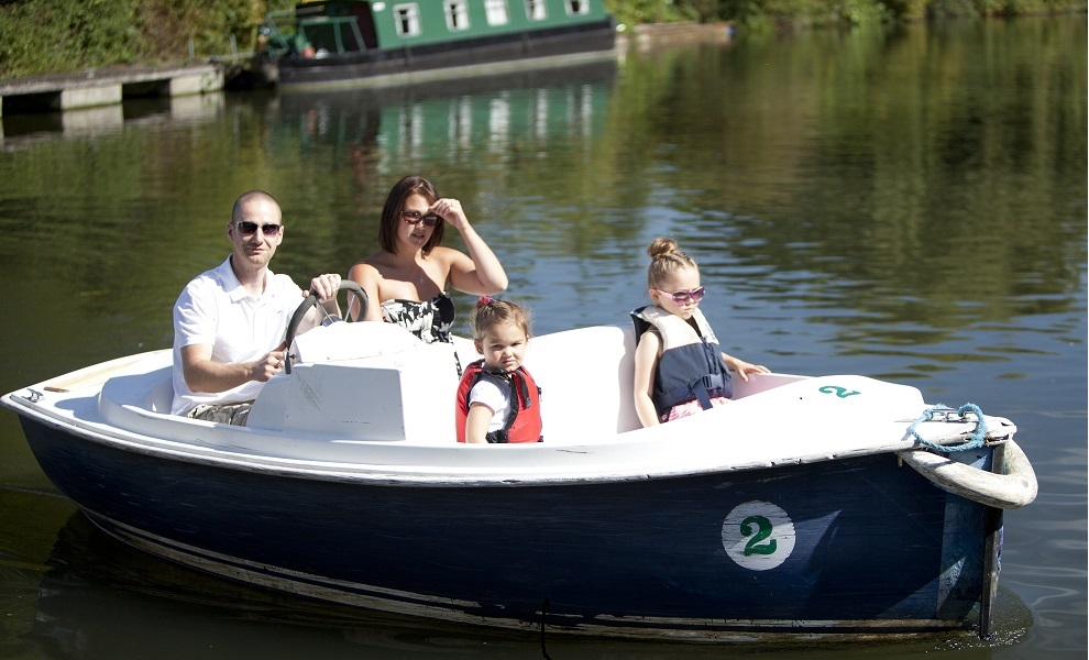 5 seater boat